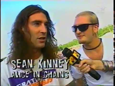 Alice in Chains - Headbangers Ball interview Lollapalooza 1993