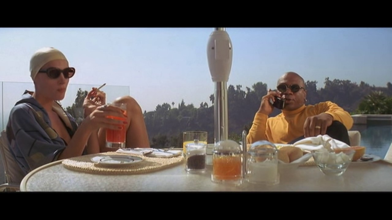 Marcelus Wallace Is Sending The Wolf Swimming Pool Scene Pulp Fiction Youtube