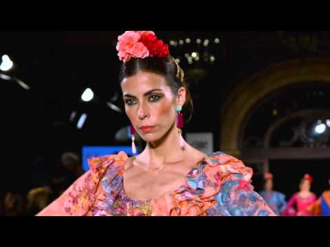Desfile El Ajoli We Love Flamenco 2016