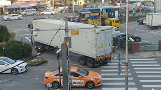 [특별/기타영상] 만 TGX.28.480 6*2 Euro 5 차량 40피트 컨테이너 후진 영상