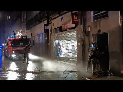 Incendio en un edificio en el centro de Ourense