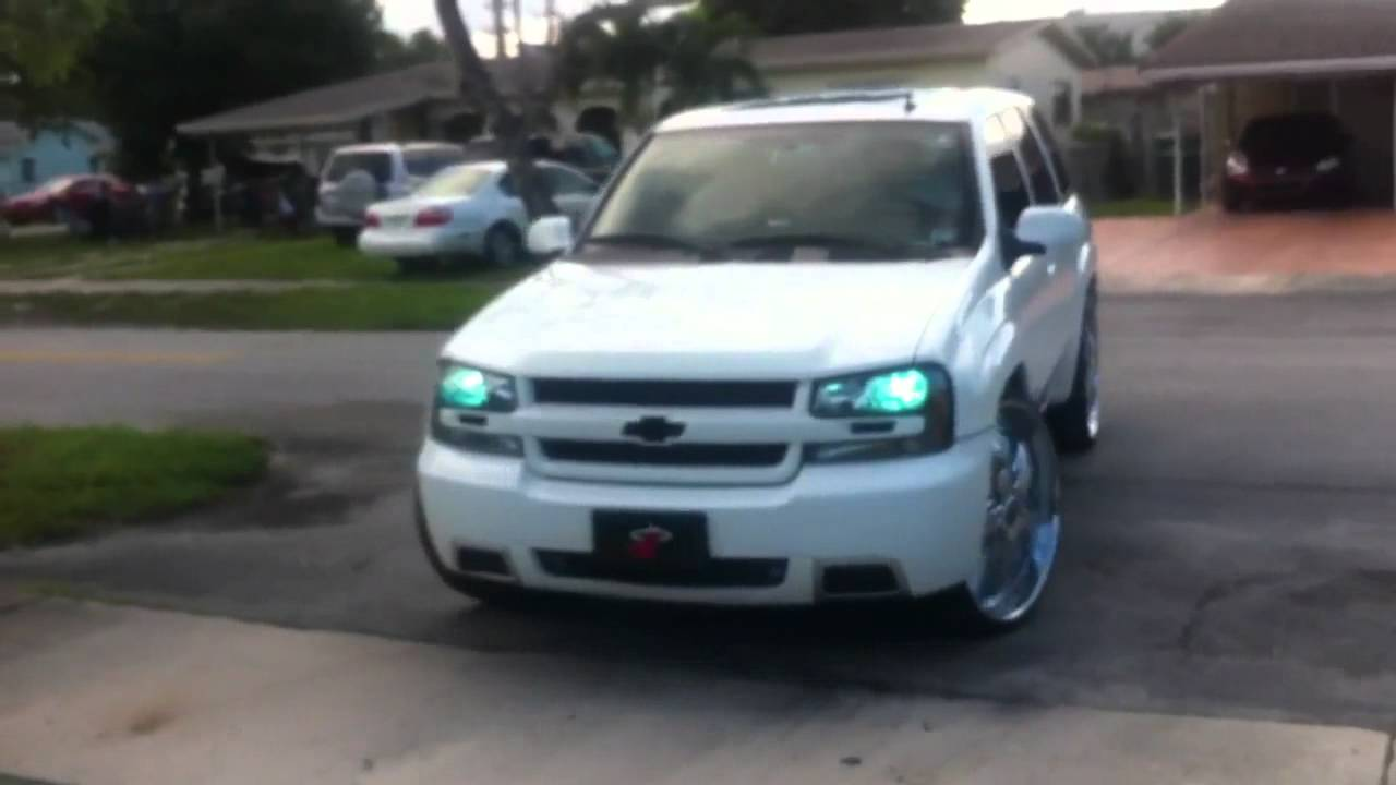 Chevrolet Trailblazer SS on 26s DUB Felon - YouTube