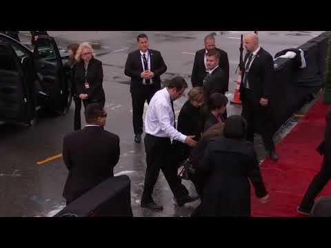 Camila Cabello Arriving To The Red Carpet | 2019 GRAMMYs