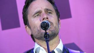 Charles Esten - I know how to love you now thumbnail