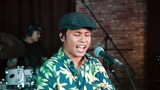 HAFIZ SUIP - Kisah Cinta Kita (Official Acoustic Video)