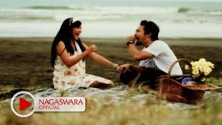 Download Hello Feat Mega - Pilihan Hati (Official Music Video NAGASWARA) #music