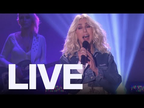 """Cher Performs ABBA's """"S.O.S."""" 