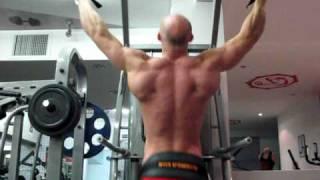Как накачать спину - №180. Подтягивания (частичные) с весом 40 кг и без веса