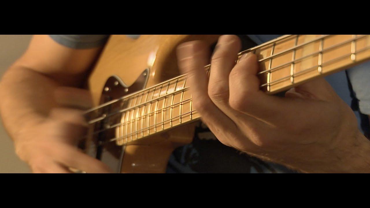 Bass guitar chords - Melodic Bass guitar - Harmonics - No drums