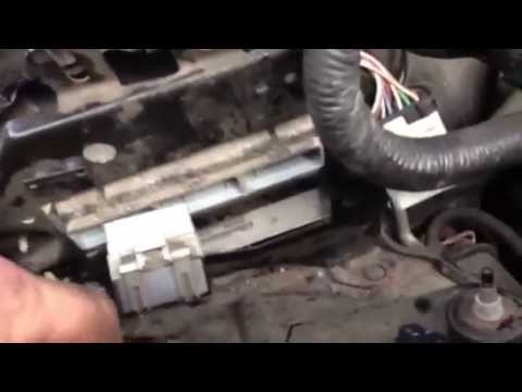 Replace a 2001 Jeep Grand Cherokee 40l PCM - YouTube
