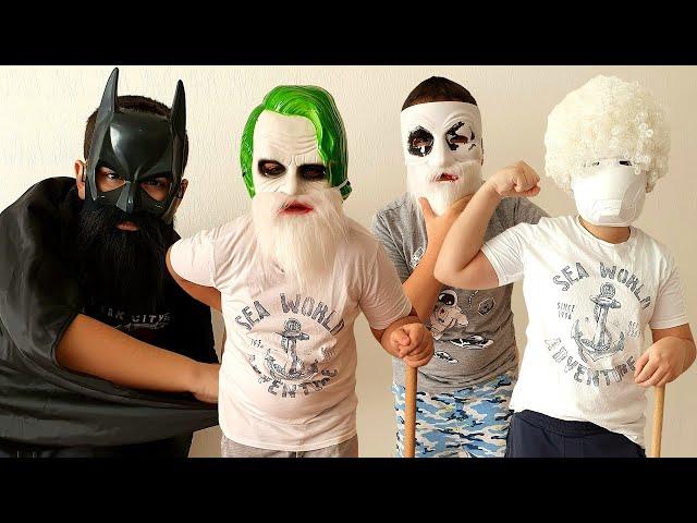 Süper Kahramanlar Batman Joker Hello Neighbor Iron Man Yaşlanmış