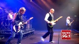 Juniors Wailing (Live at Wembley) - The Frantic Four