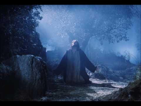Jesús ora en el monte de los Olivos y Resive la presencia De un ser en una Nave