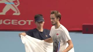 Medvedev Stuns Nishikori to Claim Biggest Title Yet    Tokyo 2018 Final Highlights