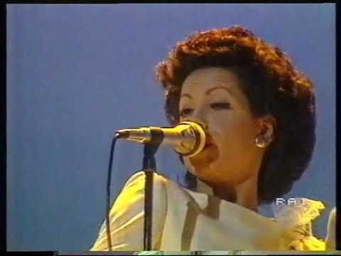 MATIA BAZAR - Vacanze Romane (SANREMO 1983 - Prima Esibizione LIVE)