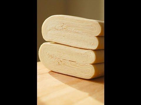 Чебуреки из слоеного теста - кулинарный рецепт