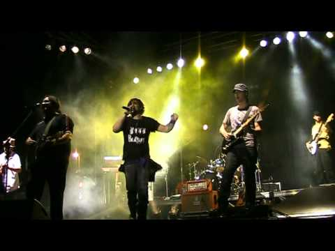 """""""NON GRADISCO"""" Trani 18-8-2010 FABRIZIO MORO v12 LIVE"""