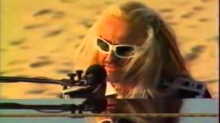 Michel Polnareff - Medley au piano dans le désert