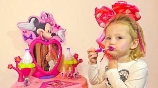 Минни Маус ИГРАЕМ В САЛОН КРАСОТЫ Дисней Мультфильмы для детей Игрушки minnie mouse disney toys 2016