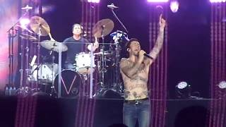 Maroon 5 - Sugar (Live at Rock In Rio 2017)
