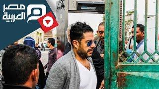 مصر العربية   تامر حسني وحماقي بجنازة الفنان محمود عبد العزيز