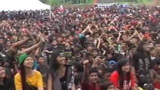 Endank Soekamti - PEJANTAN TAMBUN - Live Ndayu Park 2014