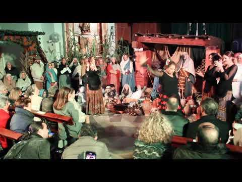 Multitudinario belén viviente en la Parroquia de Santa Teresa