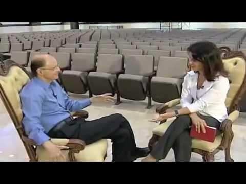 O que disse Edir Macedo pra bonita jornalista da Record? (SEM EDIÇÃO E EM VERDADE) - YouTube.flv