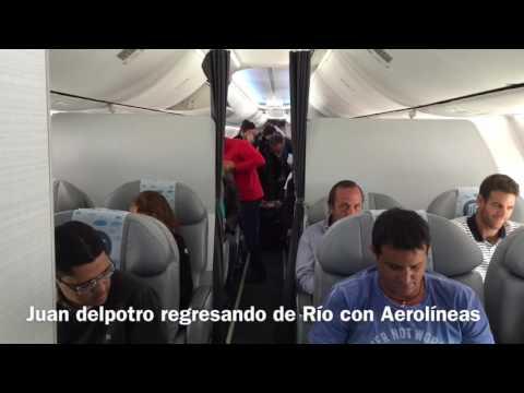 Juan Martín del potro regresando a casa desde Río homenaje a bordo Aerolíneas Argentinas