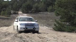 Hummer H2 vs Toyota LC 200 4,5 disel off-road 4x4