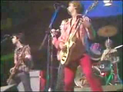 Sex Pistols - Anarchy In The UK 1976