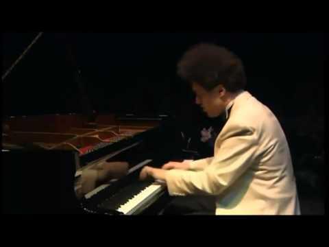 Chopin - Etude Op. 10 No. 4 - Evgeny Kissin.