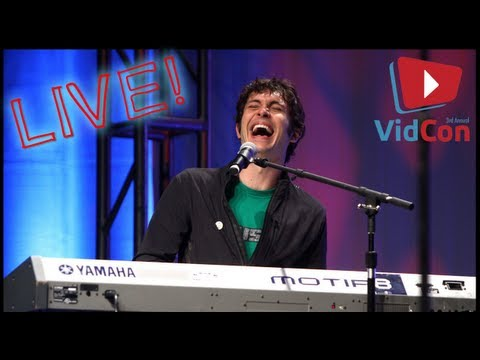 TOBUSCUS!!! SIDEBURNS SONG & DRAMATIC SONG LIVE PERFORMANCE - VidCon Adventures
