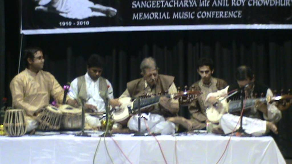 Raag Jayjayanti by Pt Buddhadev Dasgupta with Soumitra Dasgupta on tabla part1