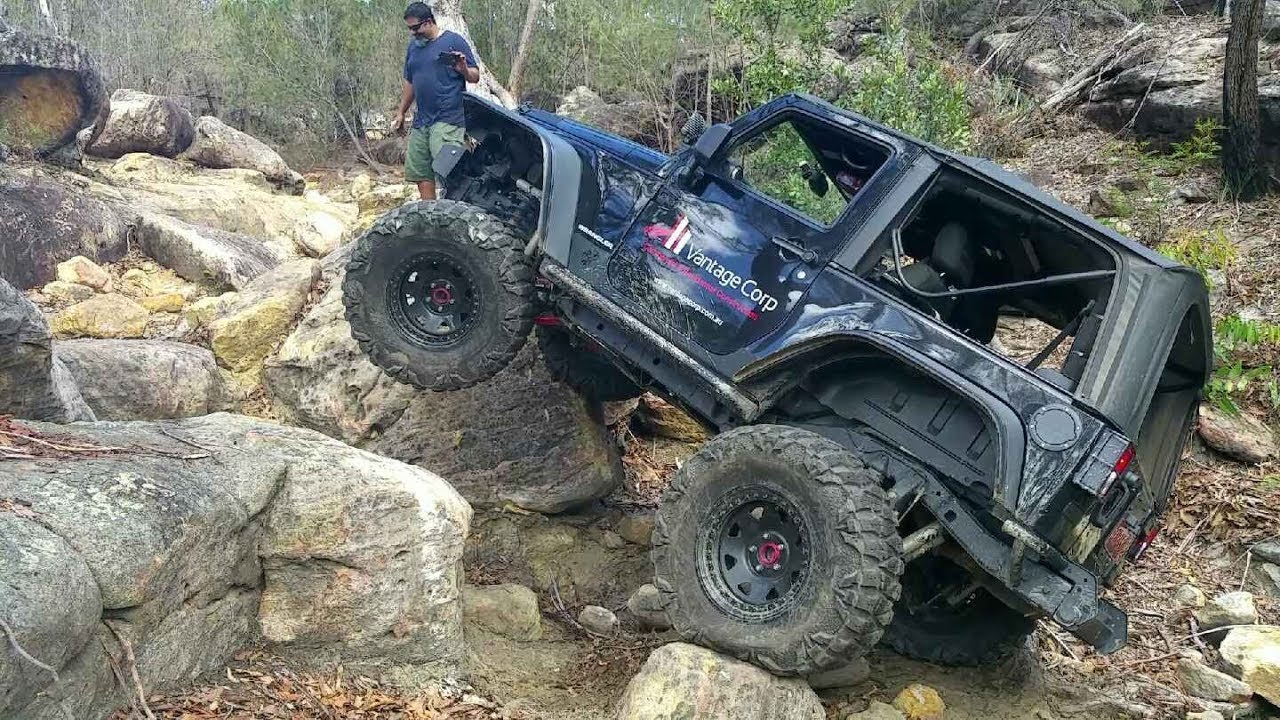 Jeep Rock Crawler >> Bad Ass Jeep Rock Crawling Bum Crack Dont Try This In Your 4x4