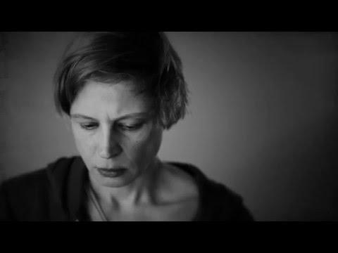 Buchtrailer ›Remember Mia‹ von Alexandra Burt