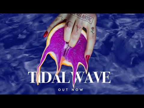 Chase Atlantic - Tidal Wave (Lyric Visual)