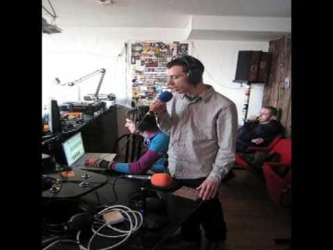 The Mole Live @ Radio FMR (Toulouse).wmv