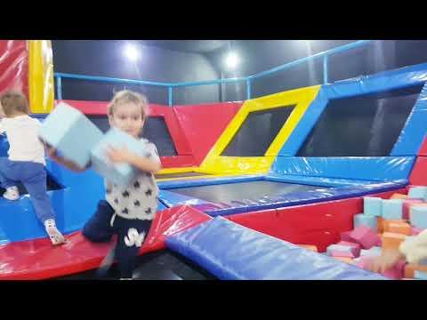 Мартин учит правильно прыгать  Развивающие видео от 3 до 6 лет - Видео онлайн