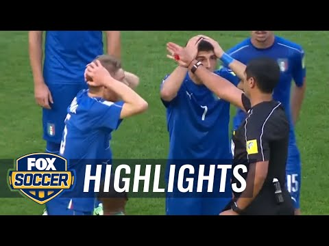 Ref shows red card after questionable call | U-20 World Cup Highlights
