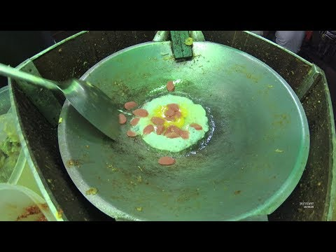 Indonesia Cirebon Street Food 2155 Part.1 Fried Noodles Seblak Mie Goreng YDXJ0284