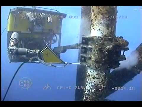 Quasar - subsea ROV by SMD - oil rig maintenance using jetting tool