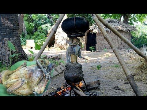 Wilderness Life : How to Primitive Cooking Wild Chicken Using Hot water vapor