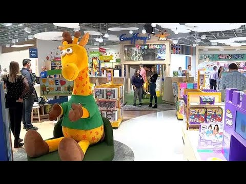 Look Inside The First New Toys 'R' Us In New Jersey Mall