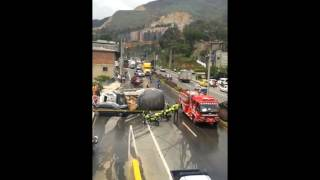 Seis vehículos involucrados en grave accidente de tránsito en Bello Antioquia
