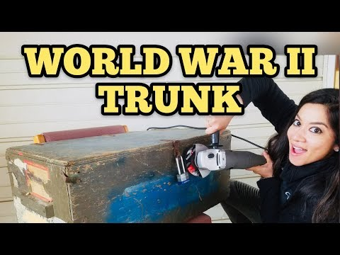 FOUND WW2 MILITARY TRUNK I Bought Abandoned Storage Unit Locker / Opening Mystery Boxes Storage Wars