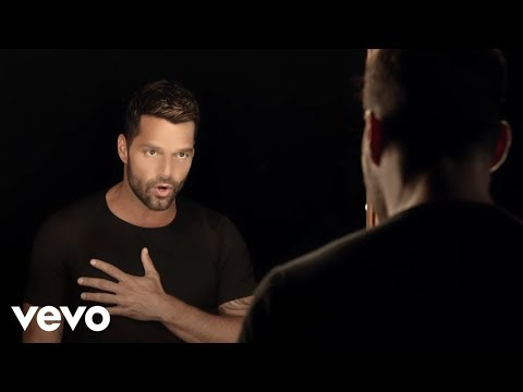 Ricky Martin - Disparo al Corazón (Official Music Video)