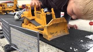 BRUDER CONCRETE MIXER Baustelle mit Betonmischer Einsatz von Jack (3)