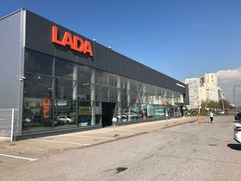 Автосалон LADA, смотрим ВАЗы