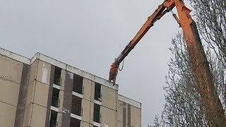 Nevers : la tour d'habitation la plus haute commence à être détruite